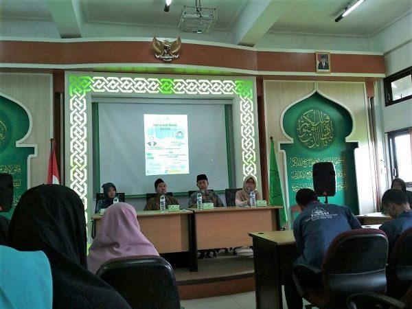 KSEI Gelar Seminar tentang Pentingnya Sistem Ekonomi Syariah di Indonesia.