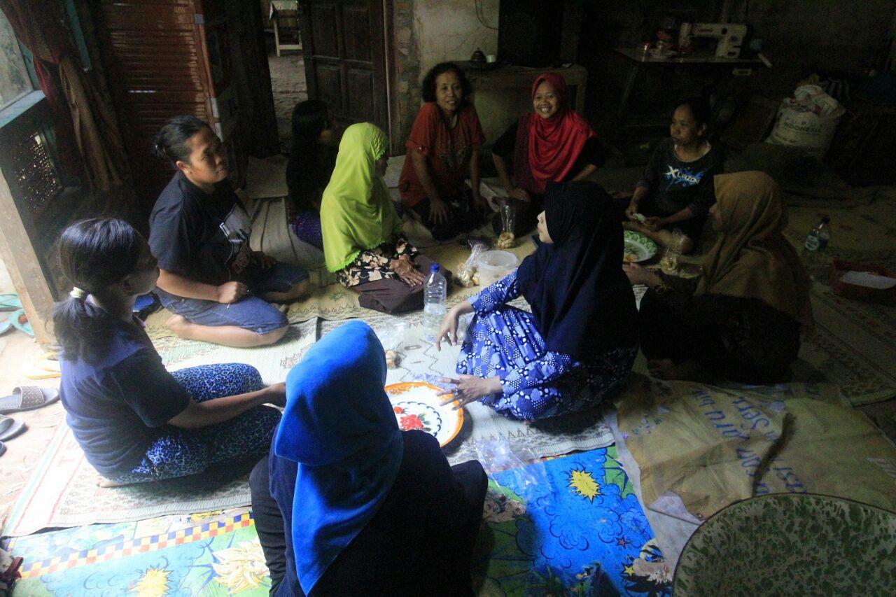 Pelatihan Bakpia di Sapon oleh KKN IIQ
