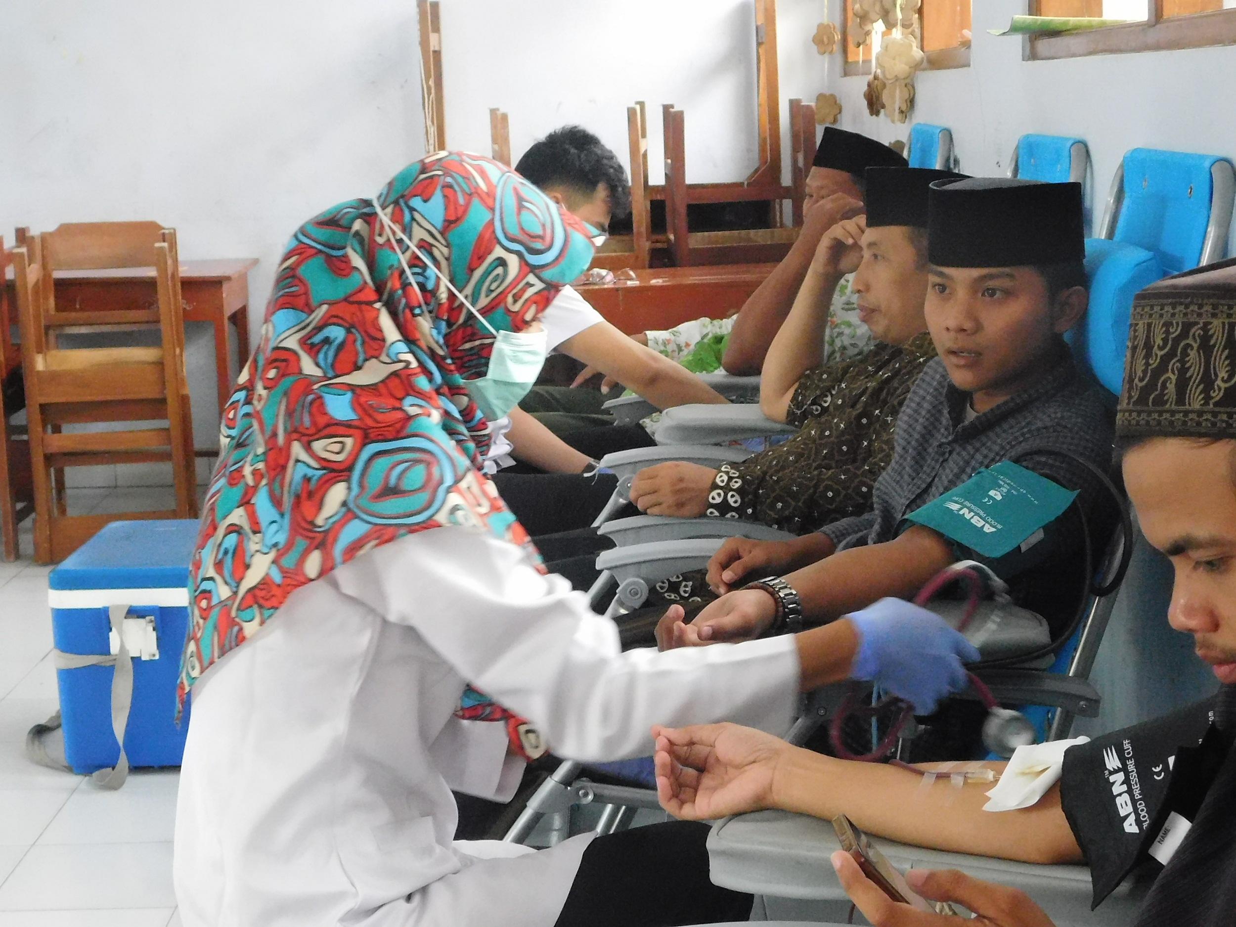 Tanamkan Nilai Kemanusiaan dengan Donor Darah