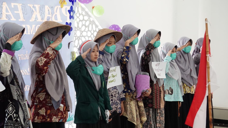 Rangkaian Acara PBAK Mahasiswa Baru IIQ An-Nur Diakhiri dengan Pentas Seni